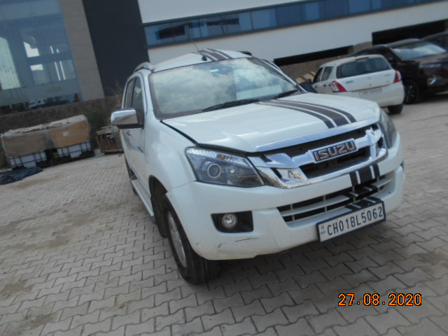 salvage Isuzu V Cross